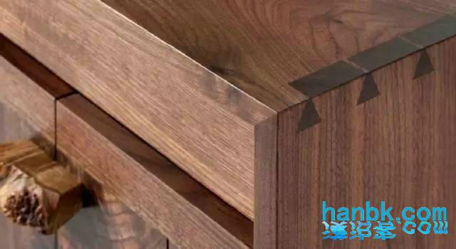古代连接两个木件的结构方式主要通过榫卯来完成,这样做的好处是